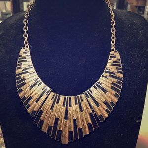 Chunky black/gold necklace